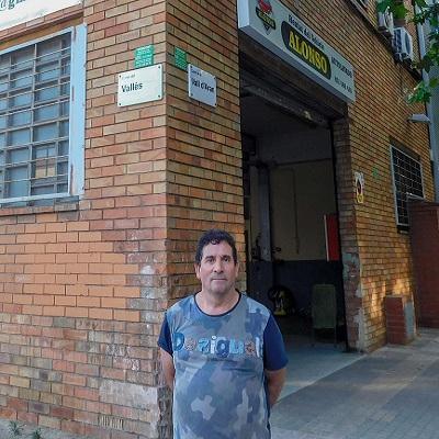 Juan emprendedor Oportunitas autolavado alquiler vehículos
